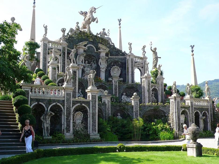 Дворец Борромео (Италия)
